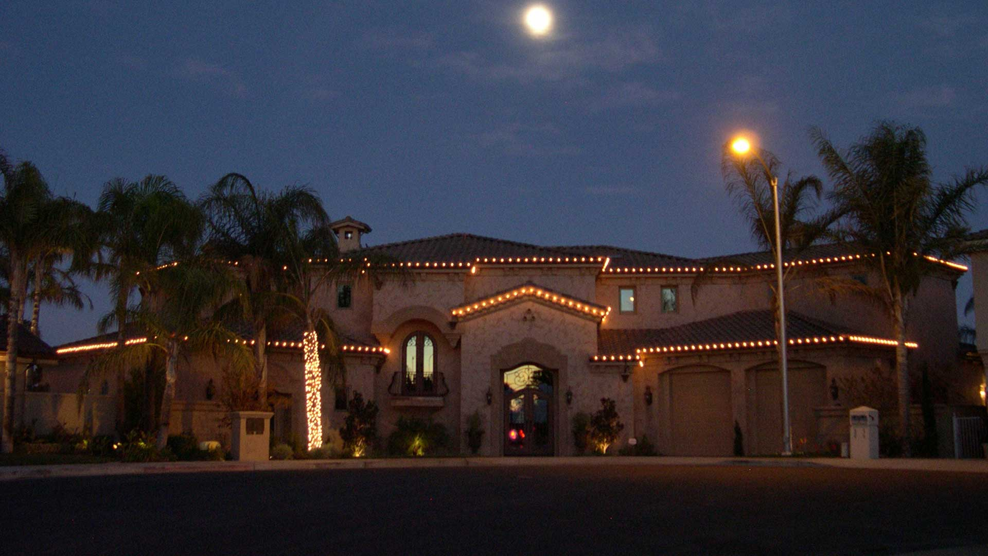 Our Holiday Decorating Services ...